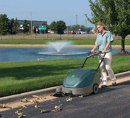 Scout 5 Compact Battery Walk-Behind Sweeper alt 3